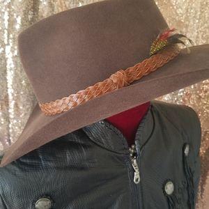 Akubra Snowy river brown western hat